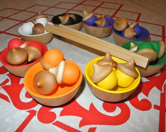 Set of 24 Rainbow Sorting Acorns and 8 Bowls , Educational Toy / Waldorf Wooden Toy / Montessori Toy with tongs