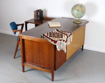 Mid Century Modern Executive Desk Florence Knoll Model #1544 in Walnut and Cane