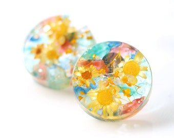 Real Dried Flower Earrings, Watercolor earrings, Resin Earrings, Stud Earrings, Botanical Jewelry, Yellow, Orange, Green