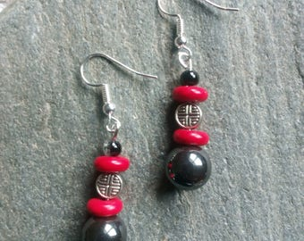1352 - earrings, ethnic, hematite and howlite Red