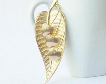 Vintage Flower Brooch, Vintage Large Gold Flower Brooch, Vintage Pin, Bleeding Heart Vintage Brooch, Old flower Pin