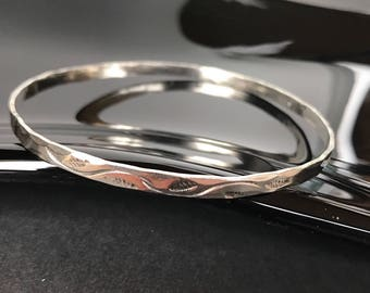 "Sterling Silver bangle bracelet simple stamped traditional Southwest and modernist hammered design 925 size 7 1/2"" thin lightweight"