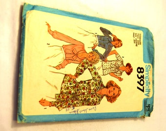 Vintage 1970's Simplicity 8397 Blouses in Half-Sizes with differen tstyle sleeves