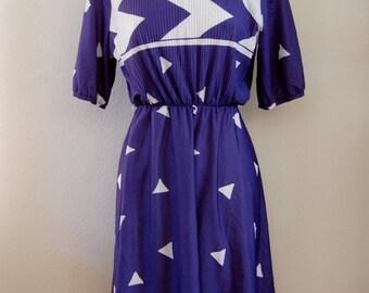 vintage navy blue and white chevron dress (m)
