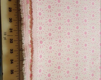 Vintage Stable Knit Pink White Daisies like a jacquard just under 2yd