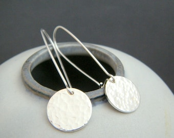 silver hammered disc earrings. sterling silver circles. small drop earrings. simple dangle. everyday. contemporary. kidney wire. gift. 1/2""