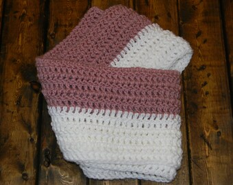Crochet two colored cowl