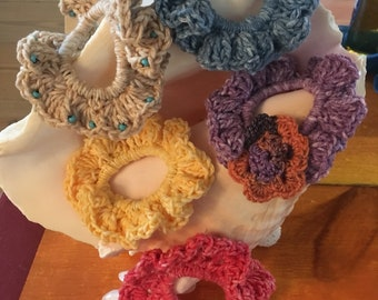Scrunchie, Crocheted