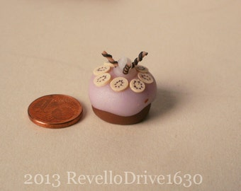 Cream cake blue with a rose, dollhouse miniature 1/12