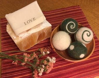 Organic Wool Dryer Balls - Set of 4 - Eco Friendly Alternative to Dryer Sheets/Fabric Softener - Handfelted with Love