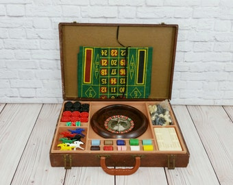 Vintage Lowe's Briefcase Casino Gambling Travel Games Roulette Poker Horses Cribbage Checkers Chess 1940s