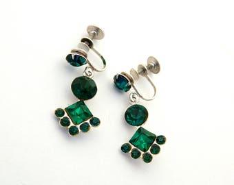 Vintage CORO Screw Back Earrings Emerald Green Rhinestone Silver Tone, Green Rhinestone Dangle Earrings, 1950's Mid Century Estate Jewelry