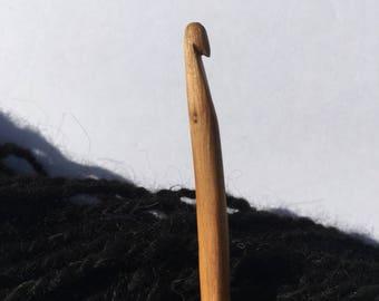 Hand Carved Crochet Hook - Size H (US)