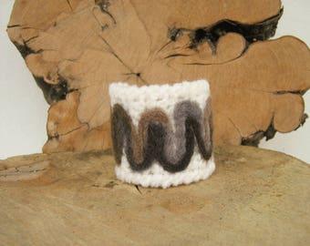 Wristband bracelet Crochet cuff Crochet bracelet cuff Wristband cuff Wrist cuff with felted motifs