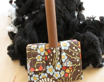 Small Carder Keeper- A Spinners Tool - Flower Flair