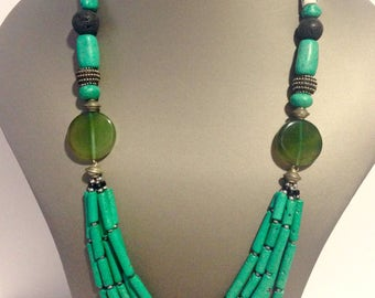 Green collar African ceramics