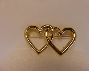 Avon Vintage Goldtone Double Heart Pin Brooch Valentine's