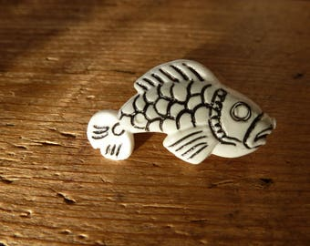 Brooch upcycled ' plastic fish