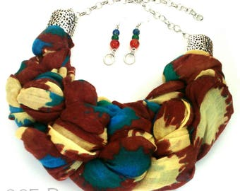 Chic ethnic set made with recycled fabric