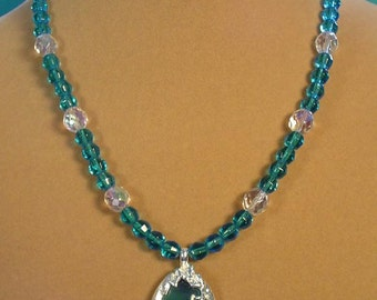 "Beautiful 18"" Aqua Blue Pendant Necklace - N427"
