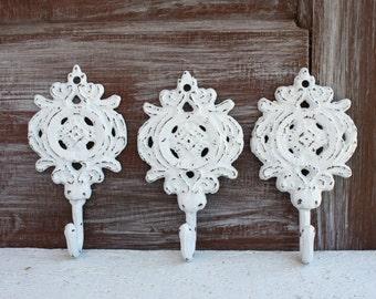 White Wall Hooks, Shabby Distressed White Hooks, White Wall Decor, Decorative Hooks, Cottage Chic Jewelry Hooks Cast Iron Key Hook, Set of 3