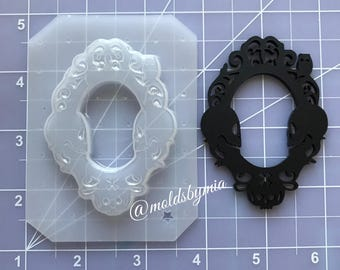 ON SALE Skulls creepy cameo setting flexible plastic resin mold