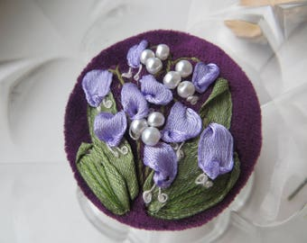 Embroidered brooch Fabric flower brooch pin Lilly of the valley brooch Lilly pin Button brooch Birthday gift mom gift to mom birthday