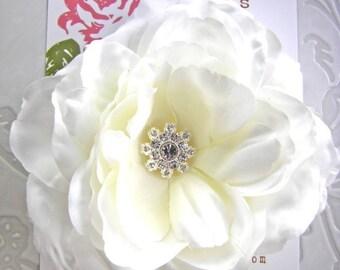 White Rose Hair clip, Wedding flower clip, Wedding Hair Flower, White Flower Hair clip, Wedding Hair Piece,Wedding Fascinator, flower girl