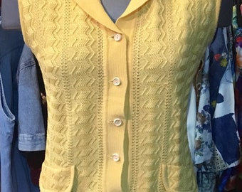 1960' MOD style yellow long knitted top, t-shirt. Size S.