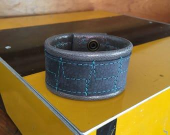 Leather Cuff Bracelet heartbeat Grey Medium
