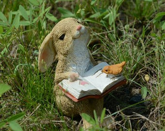 4.5*5.5*3cm Realistic Fairy Garden Resin Reading Rabbit