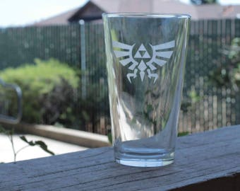 Legend of Zelda - Triforce Pint Glass