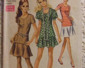 Simplicity Pattern no. 8780   size 7 Junior  For Girl  Dress Pattern 1970