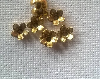 Set of 8 small 5 mm gold metal caps