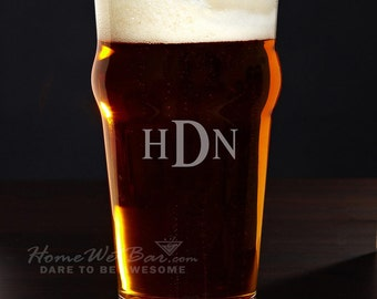 Personalized English Pub Glass, 20 oz - Custom Engraved Beer Glasses with Monogram, Nice Gift for Men, Beer Lovers, Groomsmen, Brother, Dad