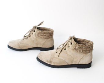 size 7 GRUNGE beige suede leather 80s 90s SWEATER CUFF lace up ankle boots