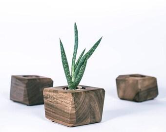 Wooden Diamond Vase