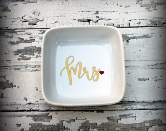 Mrs Ring Dish - Bridal Ring Dish, Jewelry Dish, Jewelry, Trinket, Bridal Gift, Bachelorette, Bride, Wedding Dish