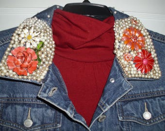 Embellished Vintage Jewelry Blue Jean Jacket Size Large