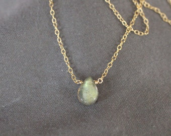 tiny necklace, small necklace, simple necklace, dainty gold necklace, labradorite stone, grey, green, blue, teardrop necklace,