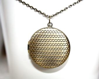 Chevron Pattern Locket Necklace, 32mm Locket Necklace