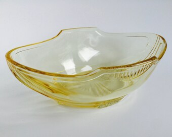 Rare Canary Yellow Depression Glass Fruit Bowl/Fruit Bowl/Yellow Glass Bowl/Large Yellow Glass Bowl/Large Colored Glass Bowl/Colored Glass