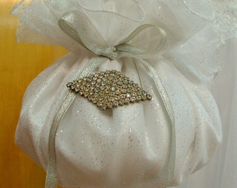 Bridal Purse Flower Girl Wedding Accessories Money Bag Bridal Pouch Bag White Satin Swarovski rhinestones Bride To Be