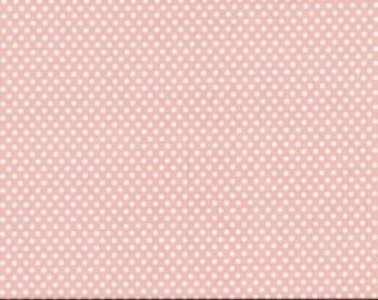 Tissu coton patchwork rose poudré à pois blancs de 3mm.
