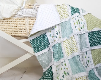 Cacti crib blanket - cactus crib bedding - cactus baby quilt - green baby quilt - baby quilt - nursery bedding - gender neutral quilt