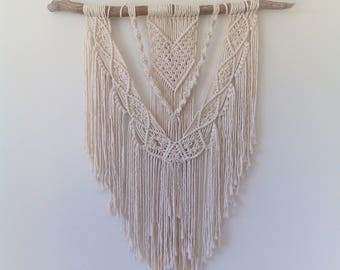 macrame wall hanging/ macrame art/ boho wall hanging/ macrame hanging/ wall hanging/ wall art/ boho art/nursery decor/kids room/ wall decor