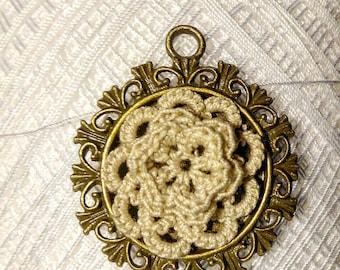 Needle tatting and crochet medallion