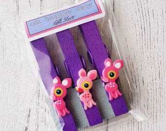 Magnetic Pegs sweet deer design (3 Peg Pack) pink, purple or pink with purple dots. Ideal to use on your fridge or other metal surfaces.
