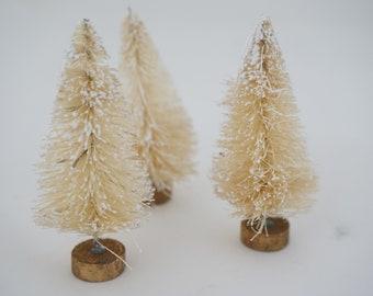 White Bottle Brush Trees, NOS Frosted Small Mini Christmas Trees 2 3/4 H, Sisal Trees, PKG of 3,  Free 1st Class Ship