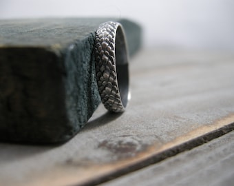 sterling snakeskin ring, silver snake pattern silver ring, size 7, ready to ship, dragon scales, reptile texture